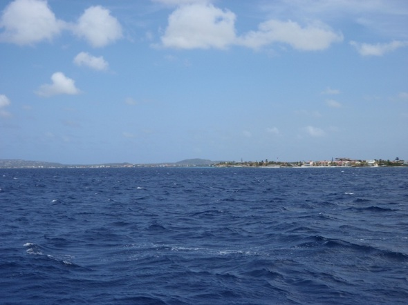 Sailing into Bonaire Island, Its much flatter!
