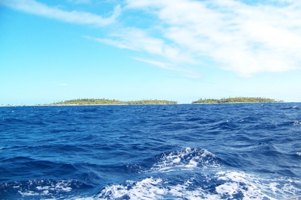 Ok so back tracking now! The photo is us entering the lagoon passage in north Fakarava .